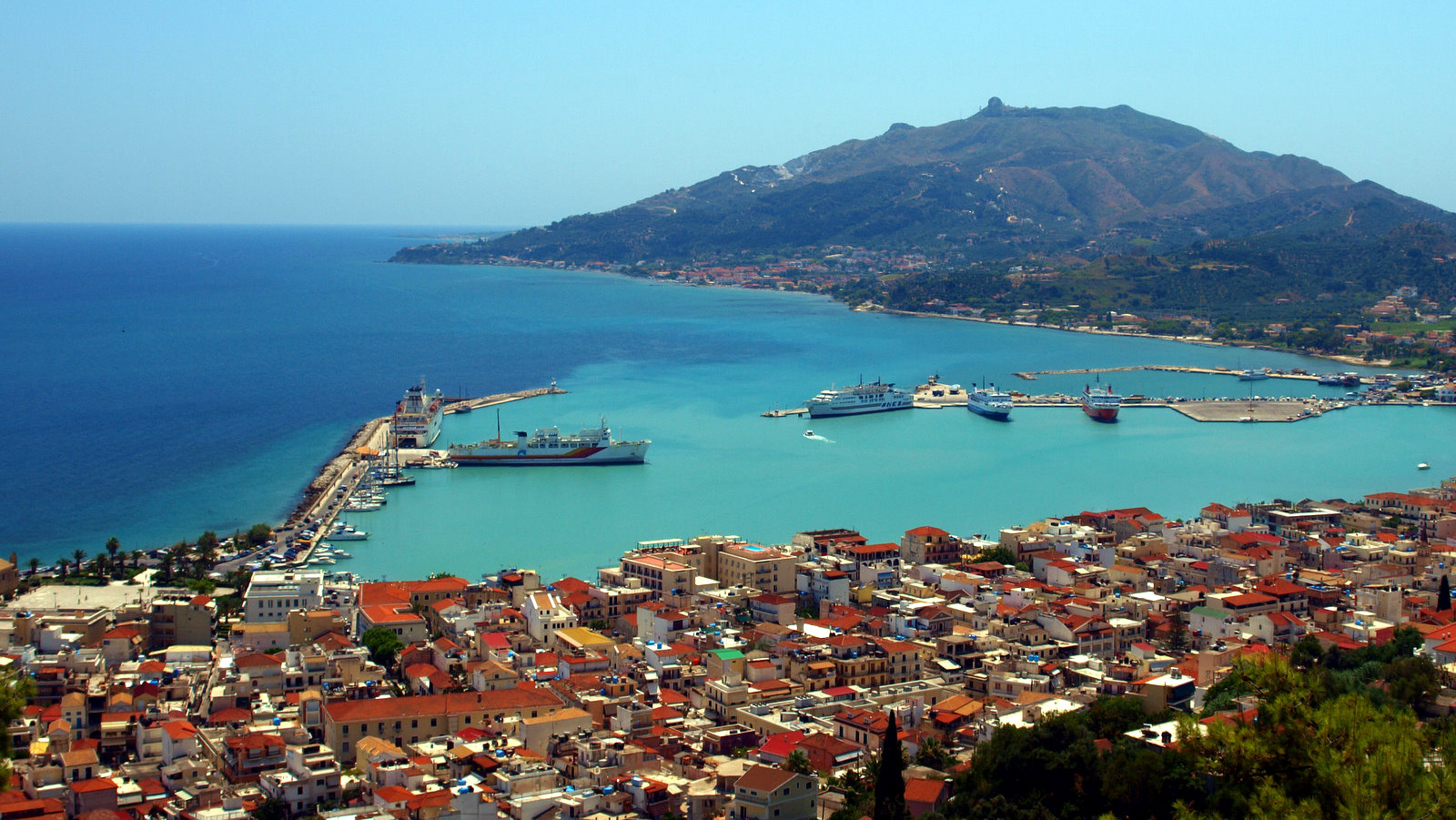 Just 2 km from Zakynthos Town, at the top of the hill is Bochali. Overlooking the port, neighbourhoods and streets below (as well as Argasi to the...